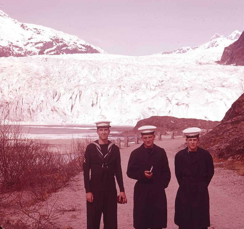 Royal Canadian Navy : Ashore in Alaska.