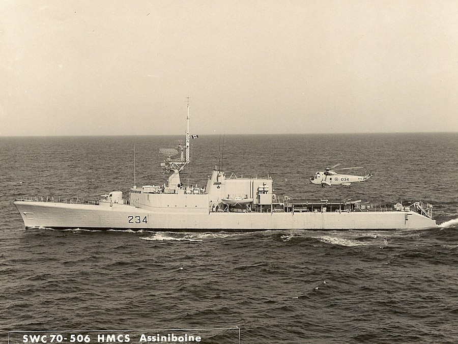 Royal Canadian Navy : HMCS Assiniboine.