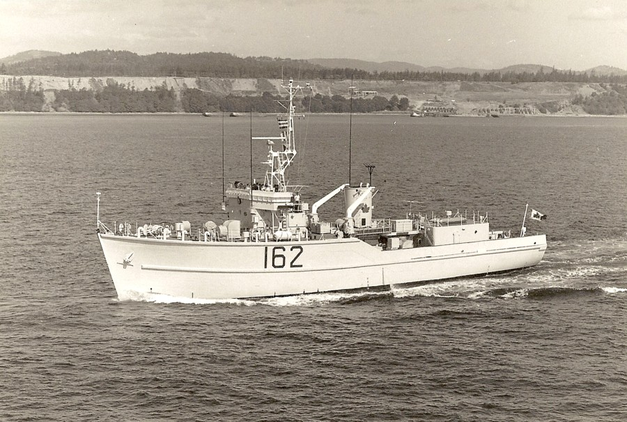 Royal Canadian Navy : HMCS Cowichan.