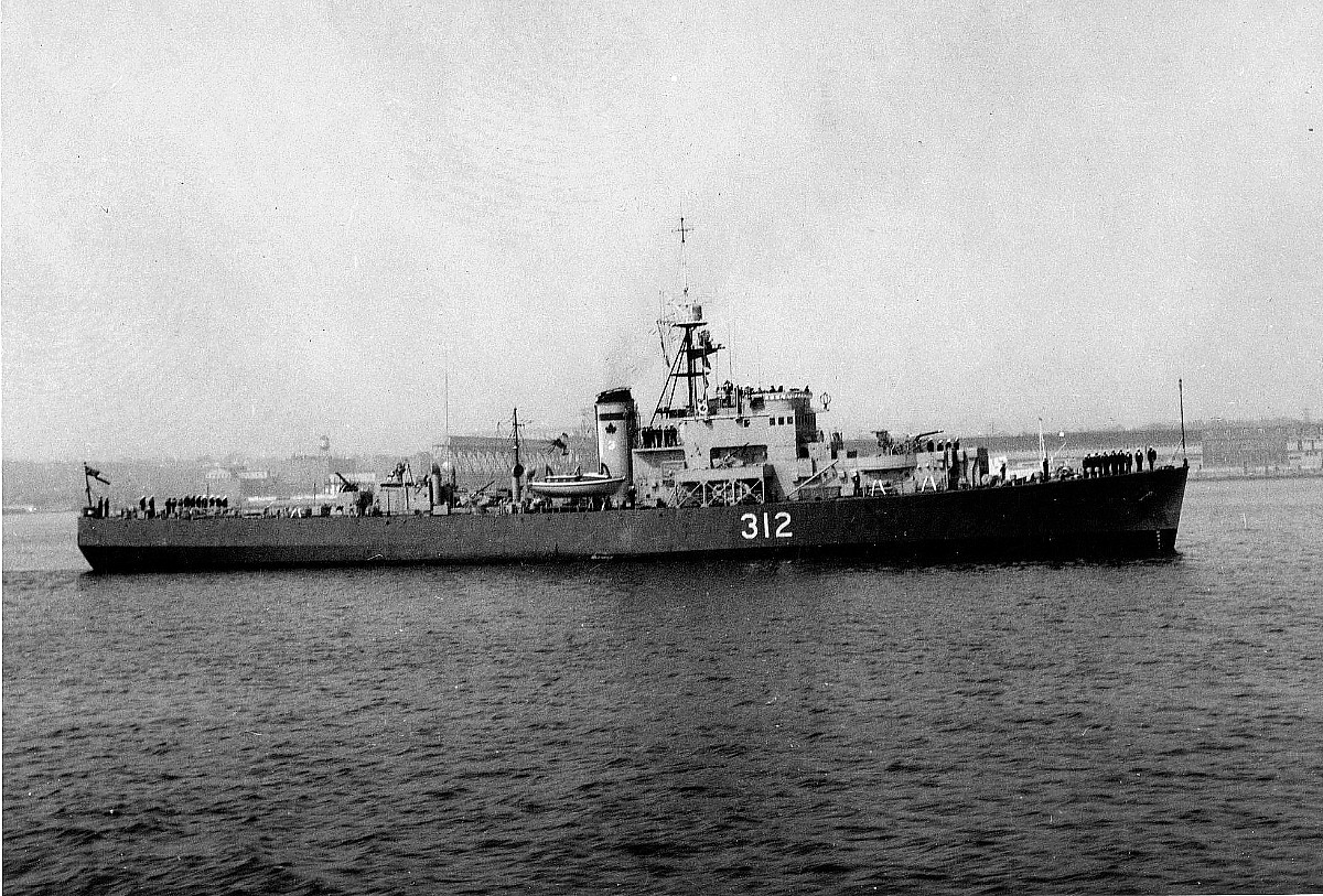 Royal Canadian Navy : HMCS Fort Erie, 1956