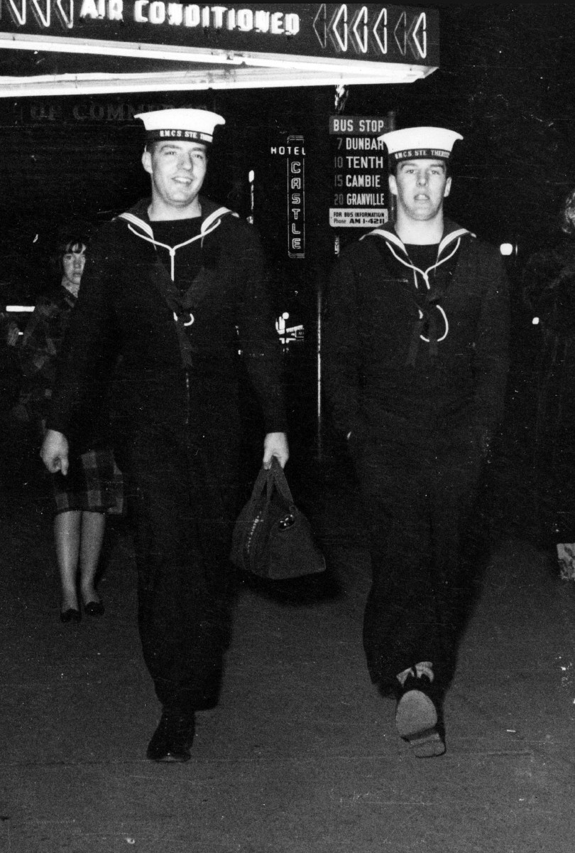 Royal Canadian Navy : HMCS Ste Therese sailors in Vancouver.