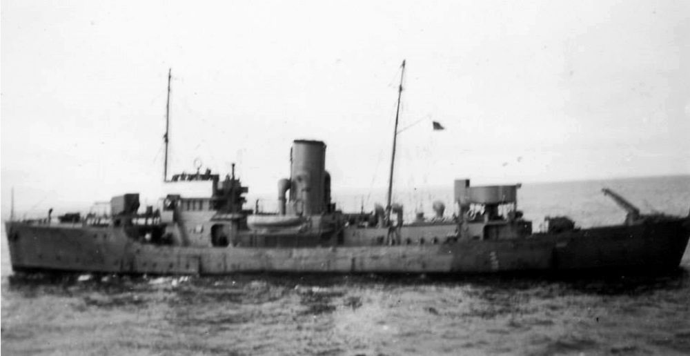 image of unidentified ship.