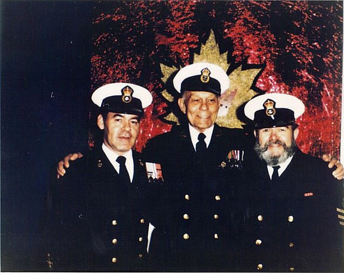 Royal Canadian Navy : Ken Lloyd.