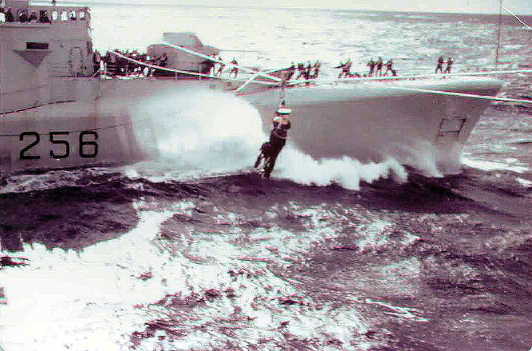 Jackstay transfer from HMCS St Croix.
