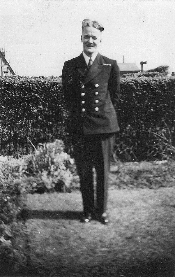 Royal Canadian Navy : Ernest Harold Massick.