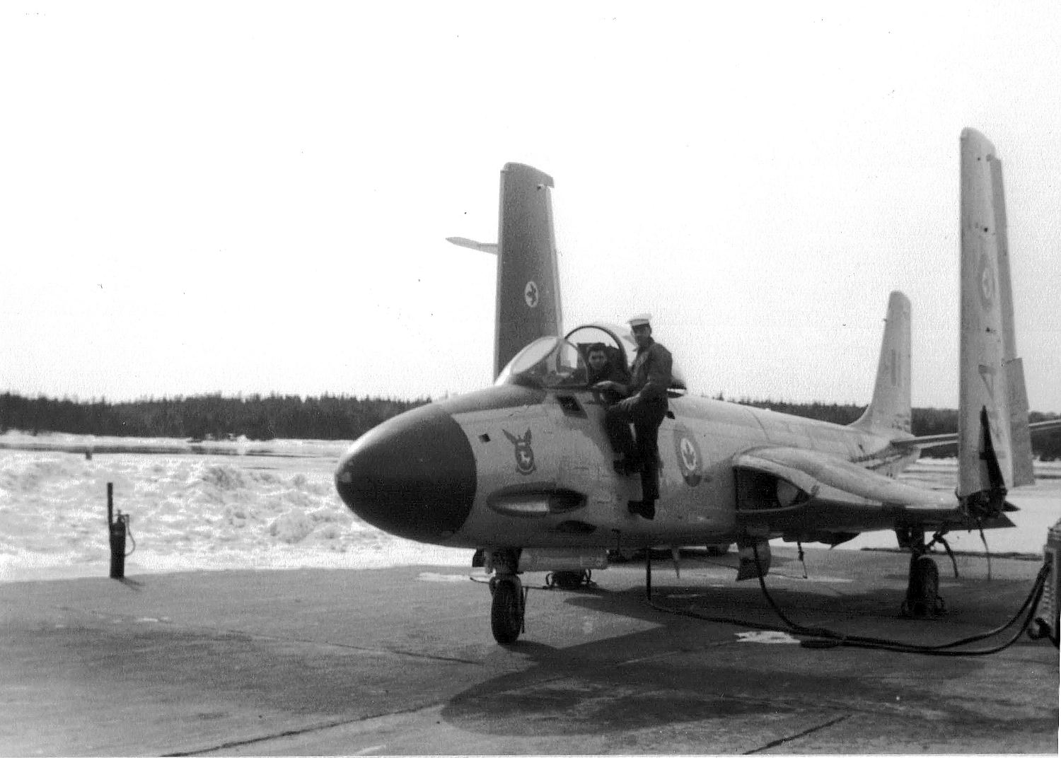 Royal Canadian Navy : HMCS Shearwater, banshee jet