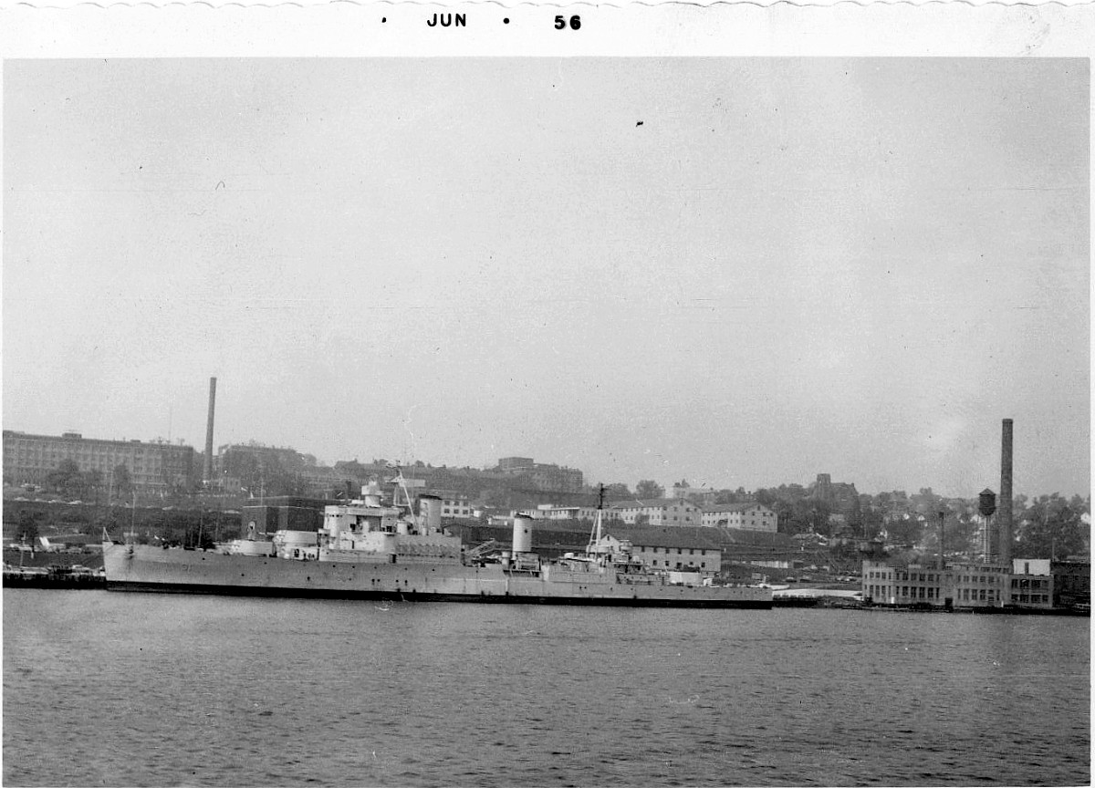 Royal Canadian Navy : Halifax dockyard, 1956