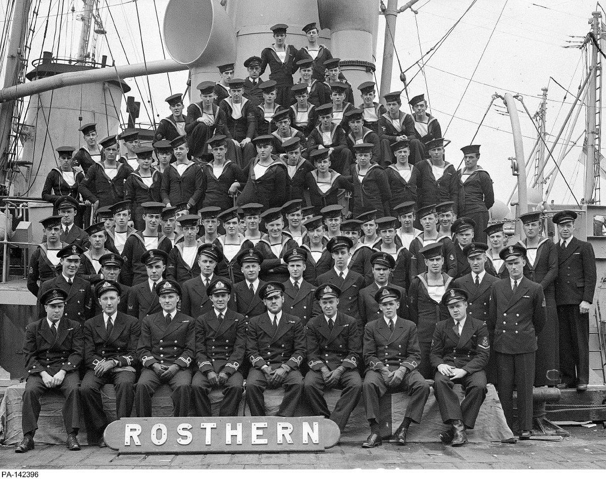 Royal Canadian Navy : HMCS Rosthern, 1944